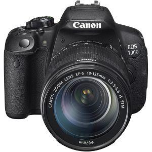 Canon EOS 700D + EF-S 18-135 STM IS f/3.5-5.6 DSLR digitalni fotoaparat i objektiv